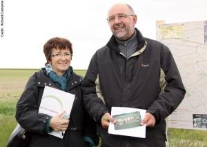Christiane Lambert (première vice-présidente de la FNSEA) et Benoît Collard (agriculteur à Somme Tourbe).