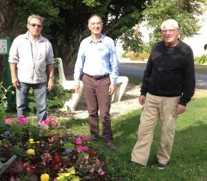 De gauche à droite : Marcel Dubois, adjoint, Bruno Gillet, adjoint et Francis Girardin, maire de Baconnes