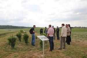 Lors de la visite commentée par Jérémy Miroir, les participants ont pu observer l'évolution des aménagements depuis leur plantation en 2013.